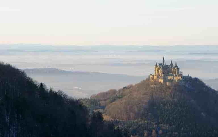 Conheça o Castelo Hohenzollern, na Alemanha