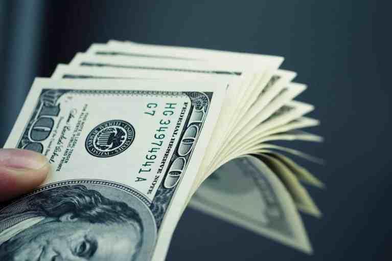 Site oferece US$ 1.000 para quem assistir a programas de reformas