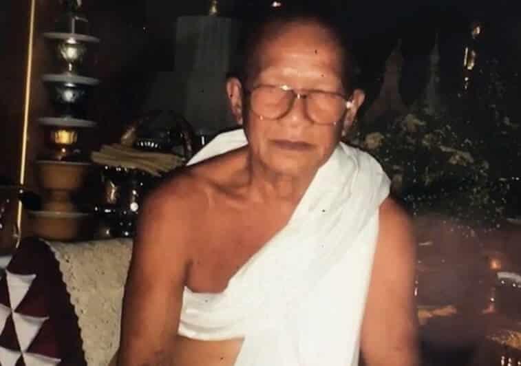 Monge tira a própria vida para atingir a emancipação