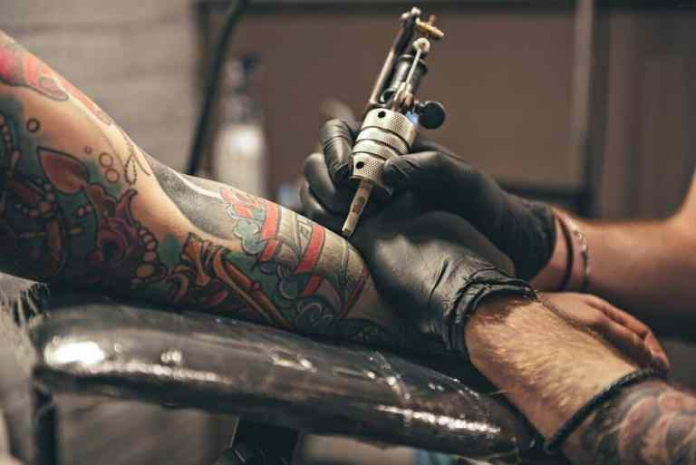 Ferramentas de tatuagens mais antigas do mundo foram descobertas