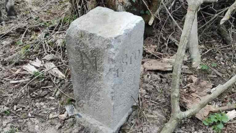 Fazendeiro da Bélgica acidentalmente amplia fronteira do país ao mover pedra