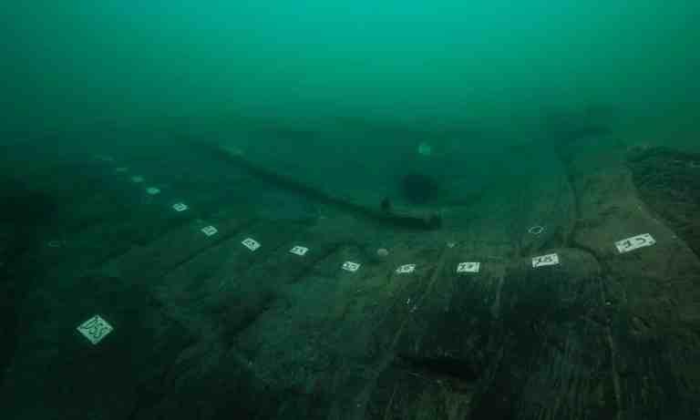 Navio de 2,2 mil anos foi descoberto naufragado no Egito