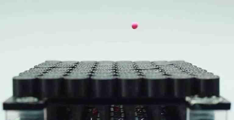 Físicos conseguiram uma forma de levitar objetos usando somente o som
