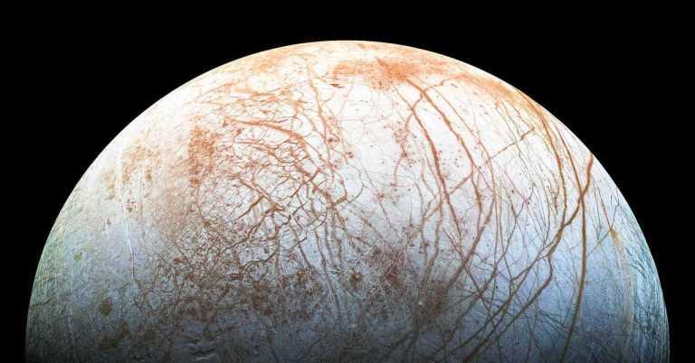 Astrônomos detectaram vapor de água na lua de Júpiter pela primeira vez