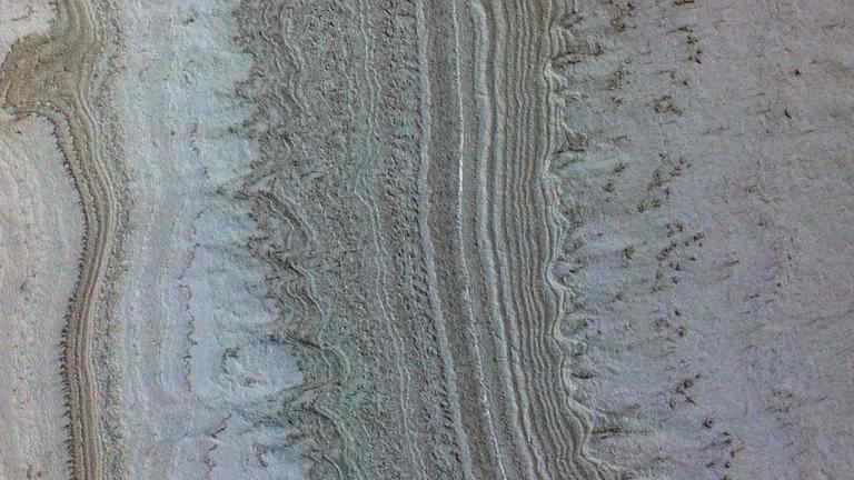 Lagos subterrâneos em Marte tem uma nova explicação e não é água