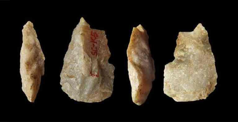 Descoberta de ferramenta de osso de 400 mil anos desafia a compreensão dos primeiros humanos