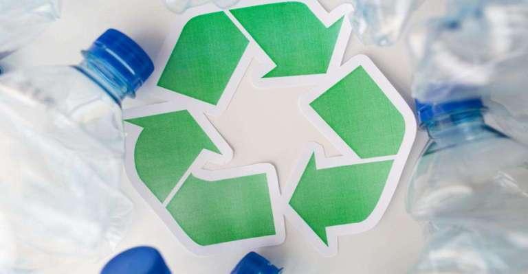 Engenheiros inventaram um método novo para reciclar plástico