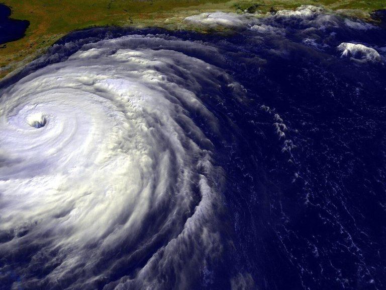 Vídeo incrível mostra como é estar dentro de um furacão