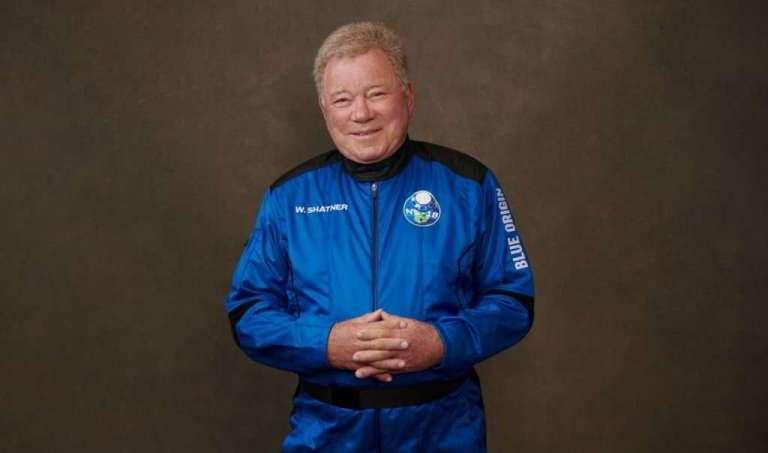 Capitão Kirk é a pessoa mais velha a ir para o espaço