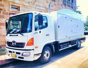 150kva film silenced mobile power generator truck
