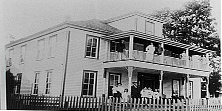 Ledrick Family at Mayflower Hotel, 1916 (Courtesy of the FCHS and UCA Archives)