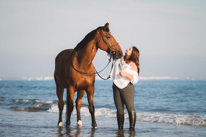 séance cheval et cavalier à la plage