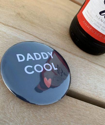 detail-decapsuleur-magnet-cadeau-fete-peres-daddy-cool-faut-rever-for-ever