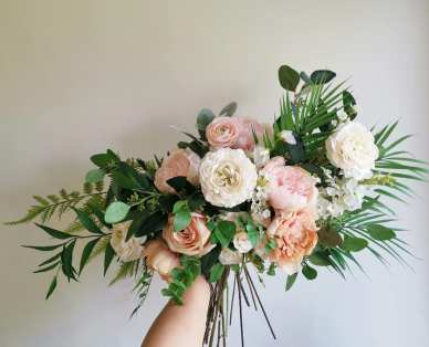 peach ivory rustic wild wedding bouquet