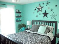 Teal bedroom idea