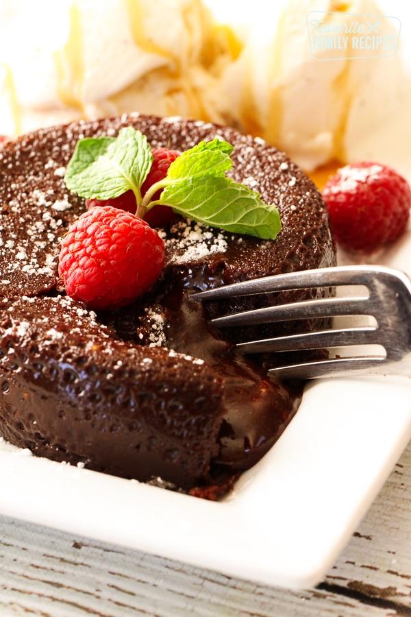 Instant Pot Chocolate Lava Cake - Thanksgiving Dessert