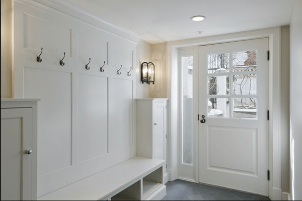 Beautiful white paint from Valspar - Bistro White in mudroom