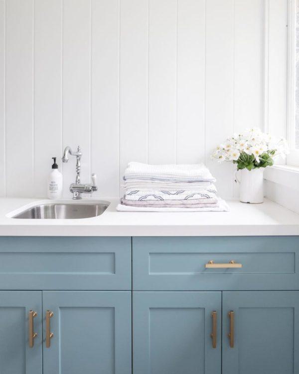 blue vanity color