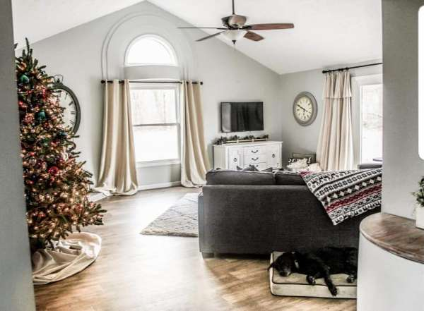 Christmas decor and paint colors