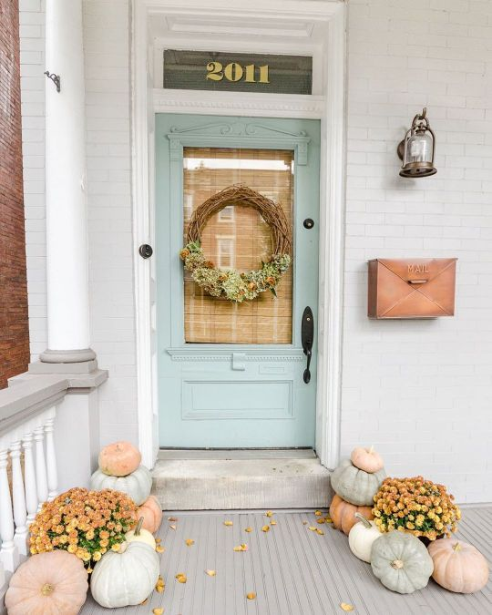 Fall wreath and front door paint color