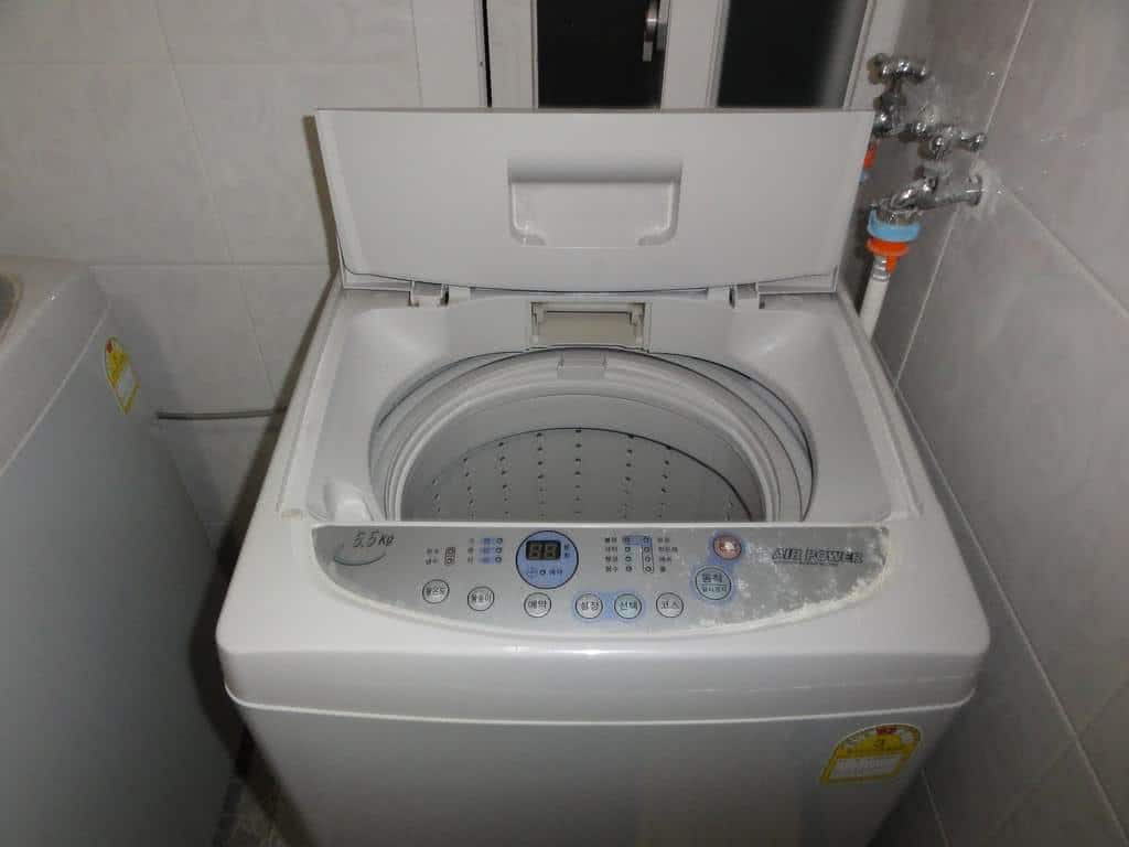 Como fazer a manuteno da maquina de lavar roupa  FazFcil