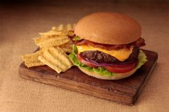 Smart Flour Foods' hamburger buns - Burger with sun chips