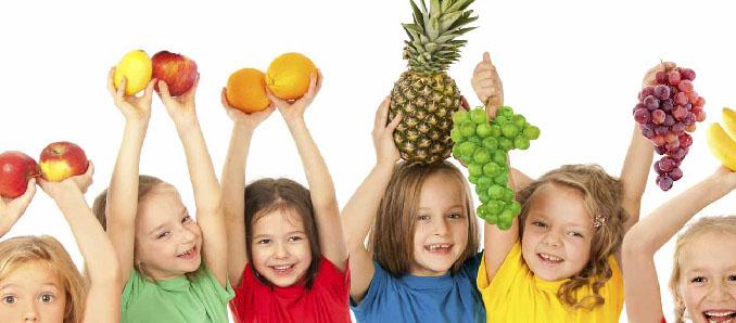 Trẻ em ăn nhiều trái cây và rau quả có sức khỏe tinh thần tốt hơn