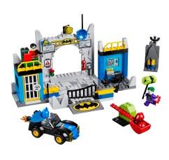 10672 Defend the Batcave 2