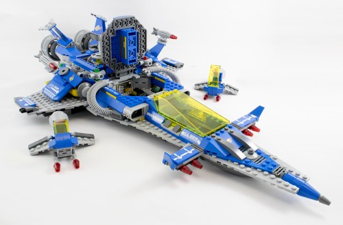 70816 - Spaceship with shuttles disconnected