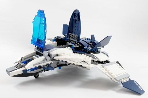 76032 Quinjet Front Opened