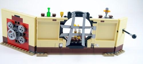 76060-doctor-stranges-sanctum-back
