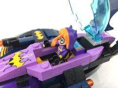 41230-batgirl-batjet-chase-16