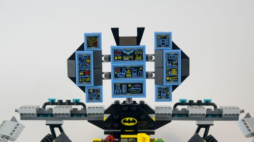 70909-batcave-computer-screens