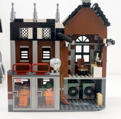 70912-arkham-asylum-left-wing