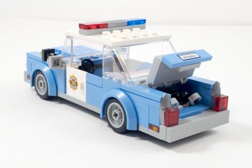 70912-gpd-cop-car-trunk-open