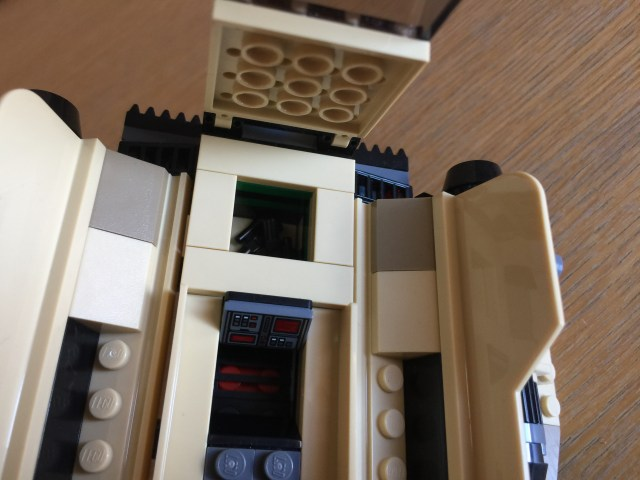 75204 Sandspeeder blaster storage compartment