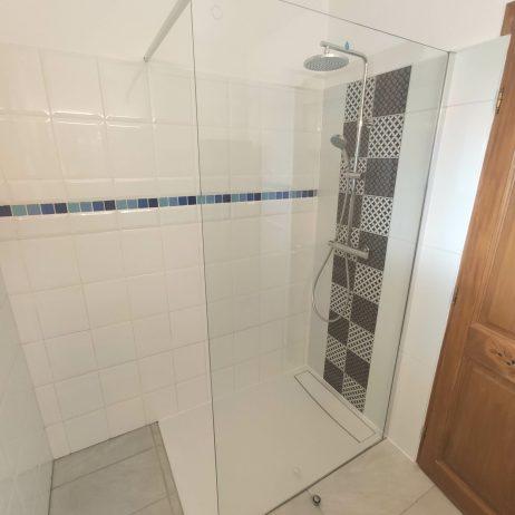 douche à l'italienne avec receveur encastré
