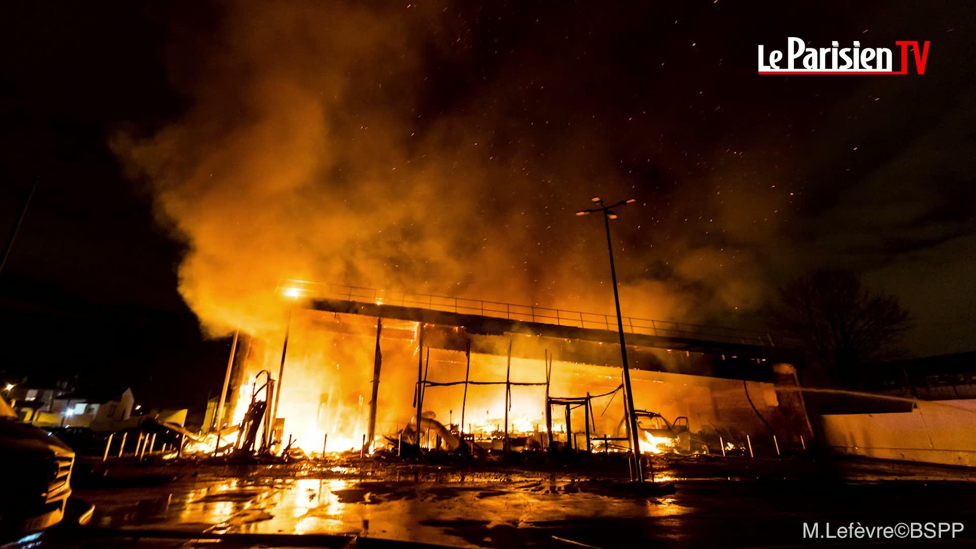 pierrefitte (93) : le magasin lidl détruit dans un incendie