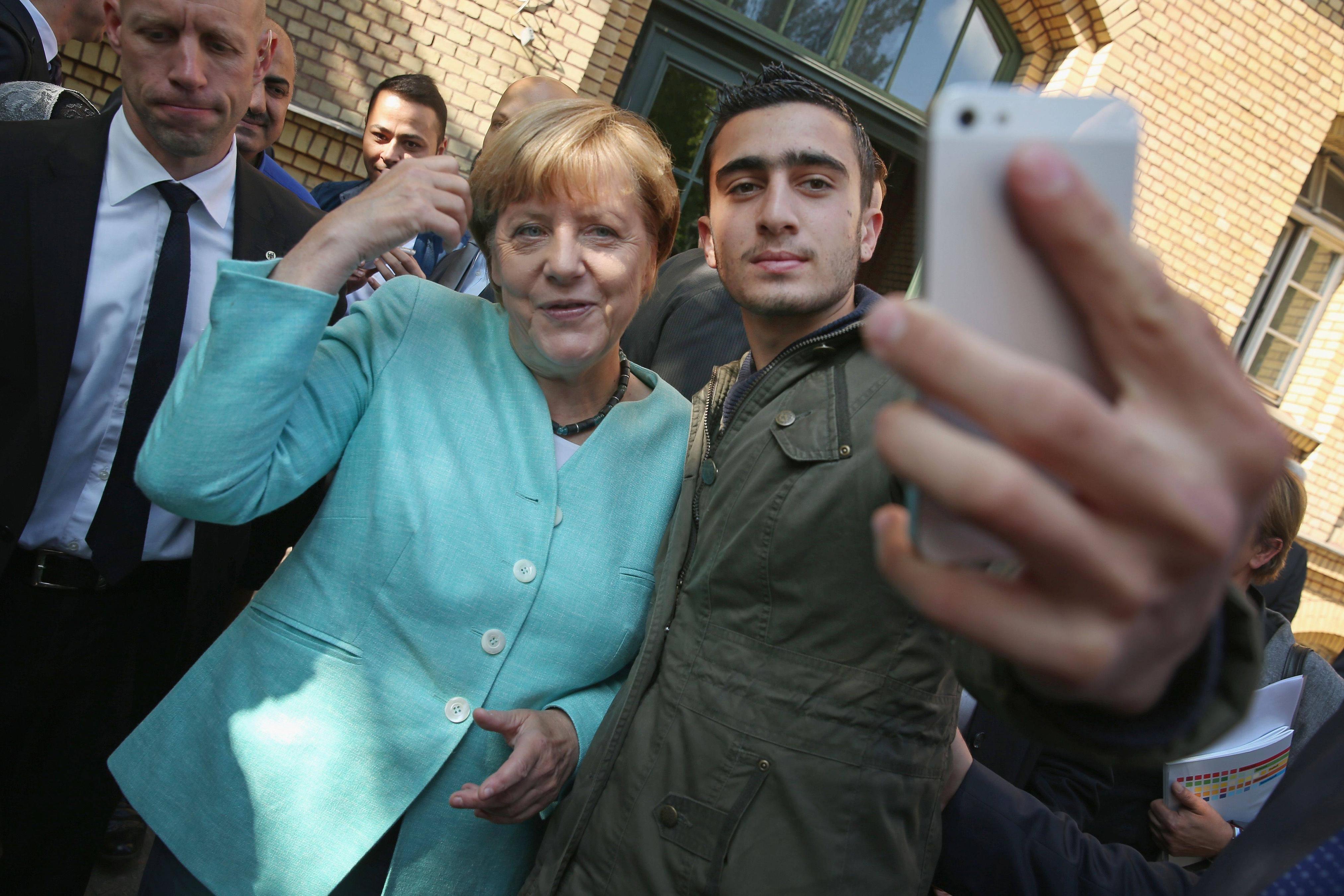 """Résultat de recherche d'images pour """"merkel migrants"""""""