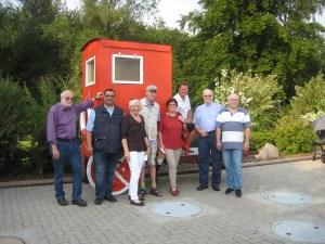 in Mitglieder der Fuldataler Liberalen informierten sich über den Erhalt des Waldschwimmbades.