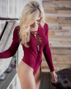 Model Jacey Marie with ease & tease