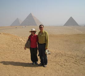 Oli Laperal, Jr and Penny Laperal at the pyramids of Giza, Egypt--not Las Vegas.