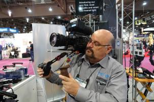 Steve Manios Jr with Vocas rig for FS7