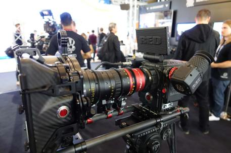 RED Dragon 6K with new RED OLED EVF, 1080p, very crisp, cable-free. Works on Epics and Scarlets
