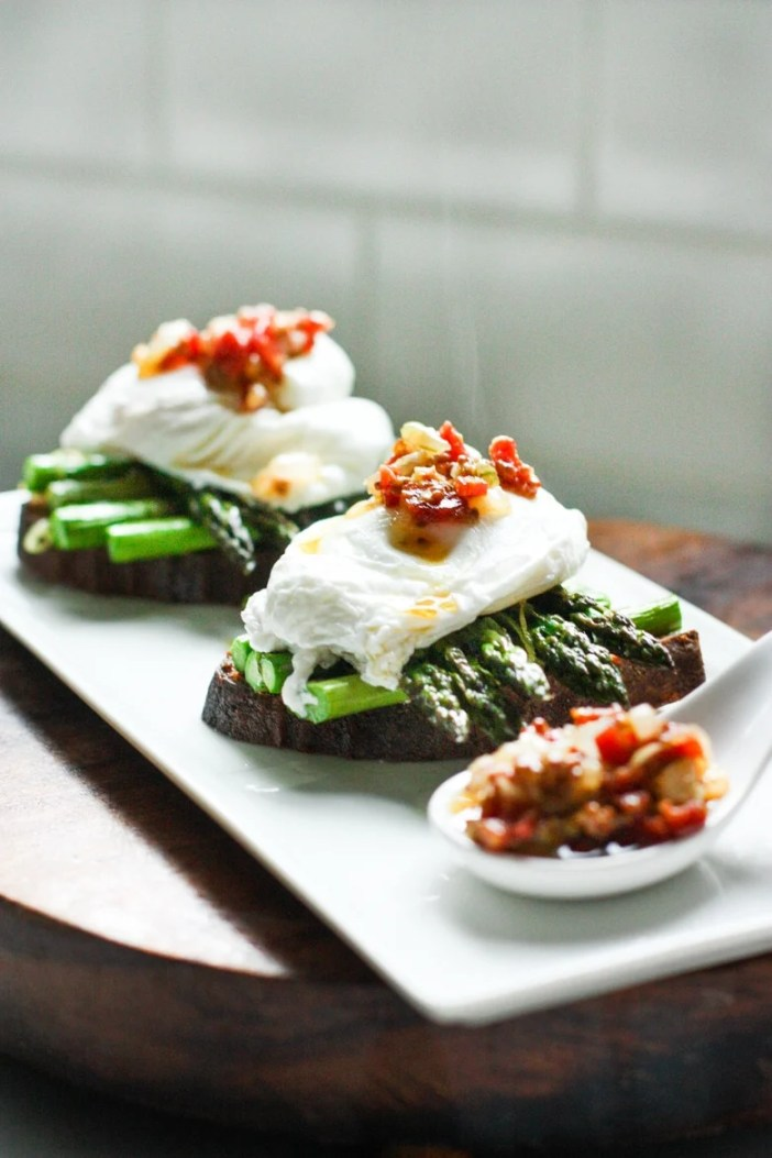 Asparagus and Poached Eggs on toast with warm Bacon Dressing