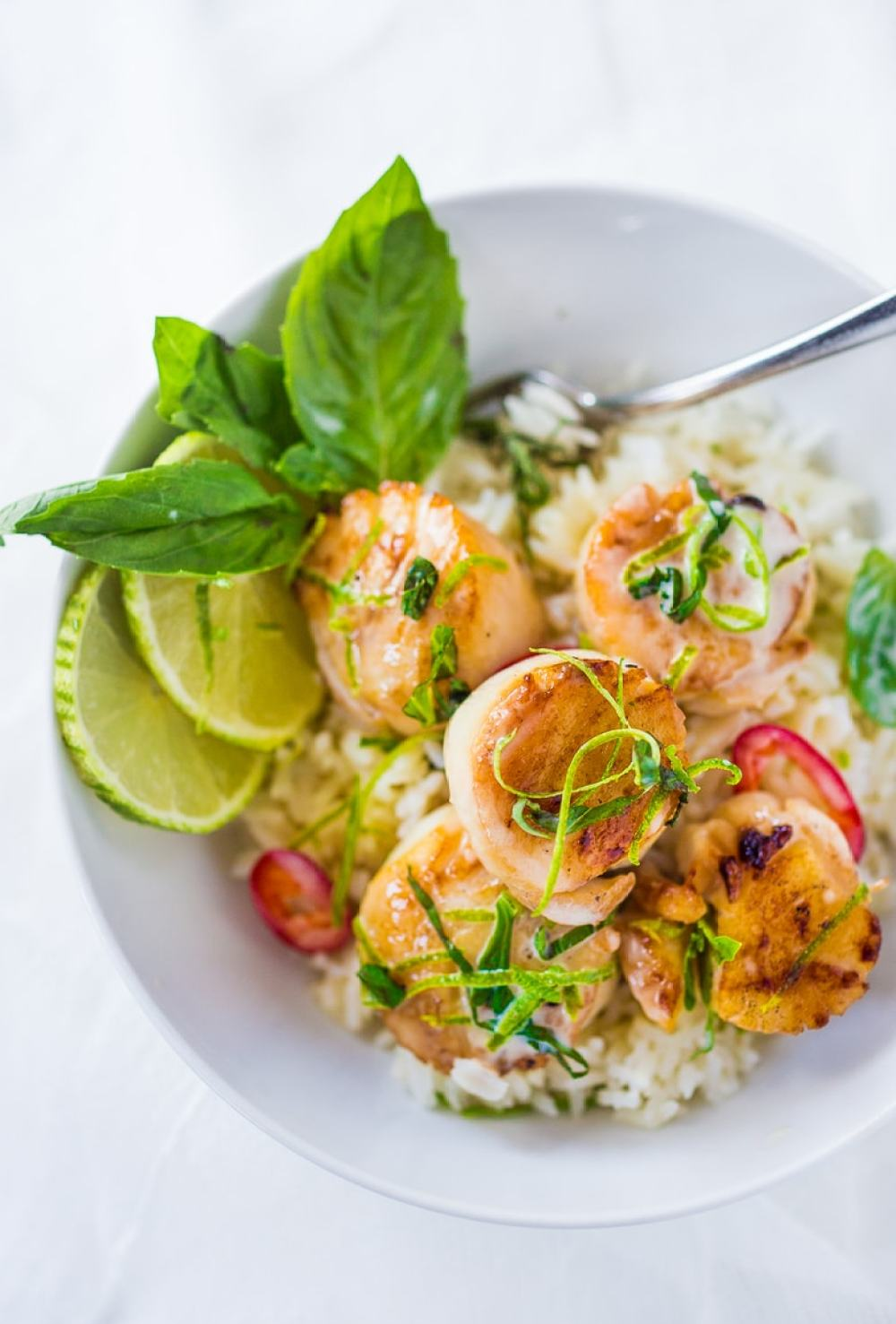 Seared Scallops with Coconut Lemongrass Sauce