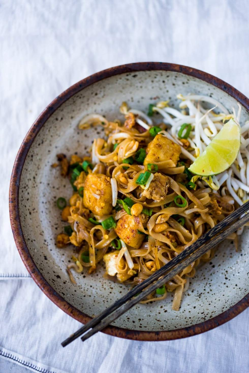 15 Minute PAD THAI + Plus 10 Warming THAI RECIPES to help take the chill out of winter | www.feastingathome.com