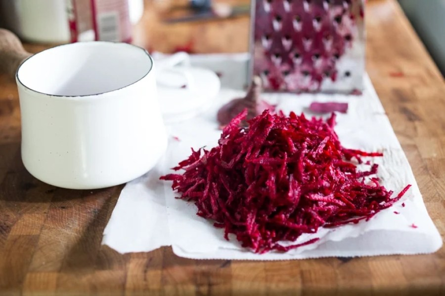 Quick pickled Beets | ww.feastingathome.com