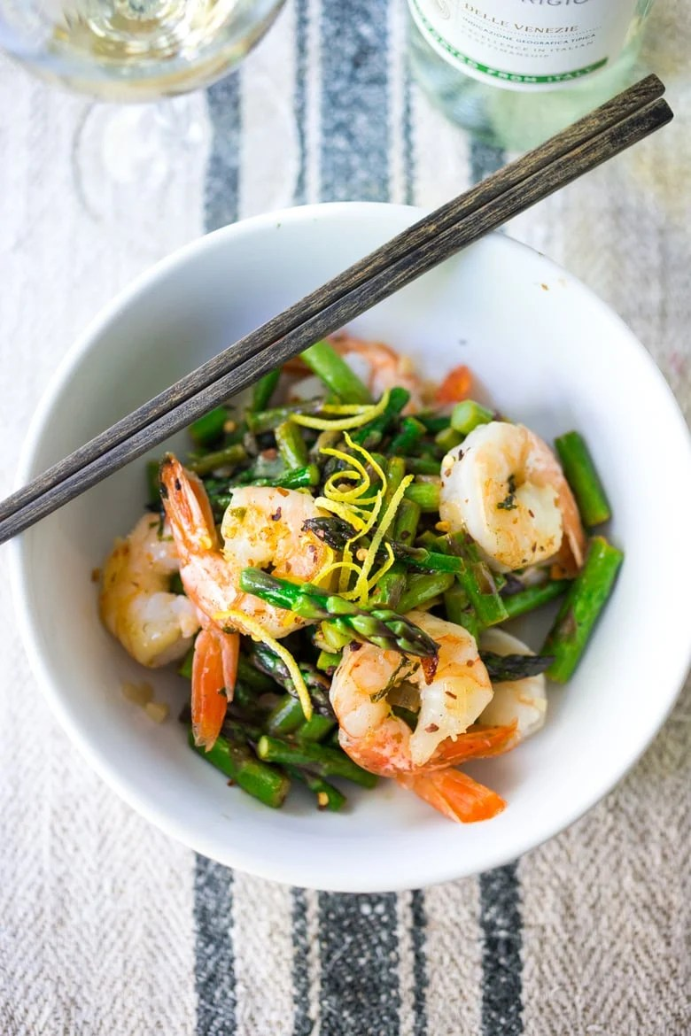 15 Minute Lemon Basil Shrimp and Asparagus