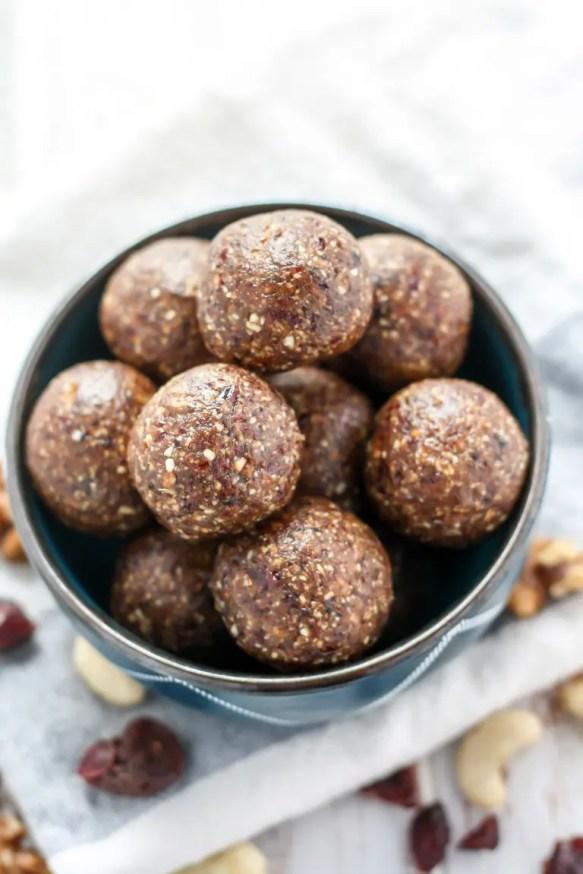 Ginger-Berry-Energy-Balls-3-2